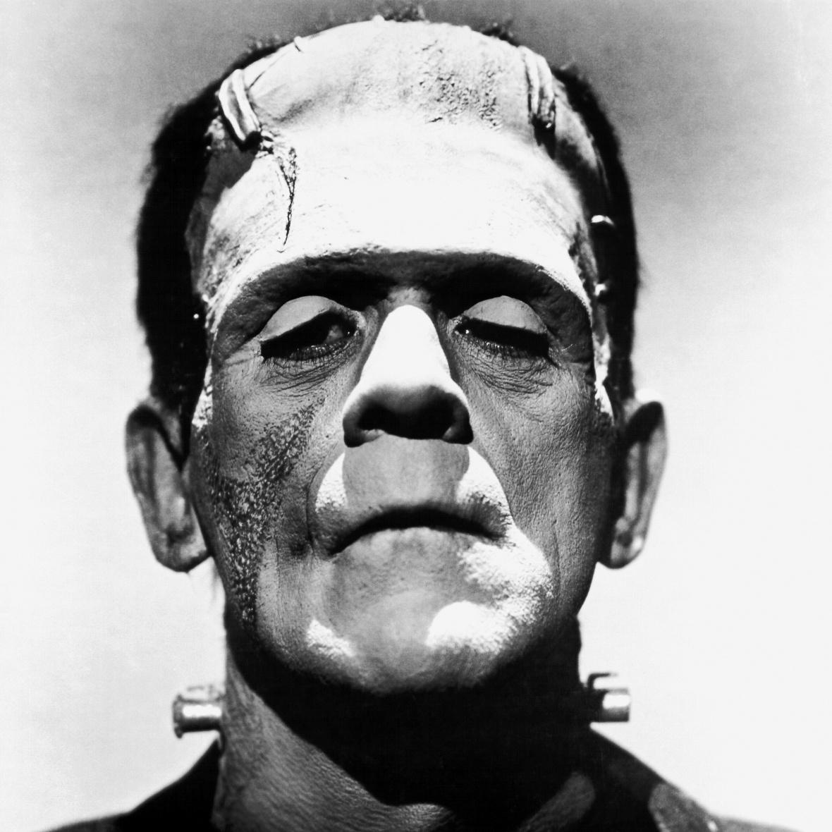 Frankenstein kink i nakken