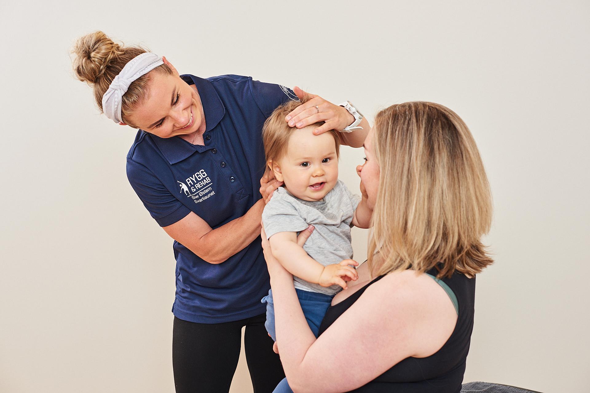 Behandling av spedbarn hos kiropraktor